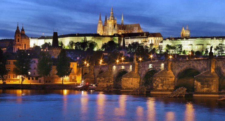 prague-castle-night-view